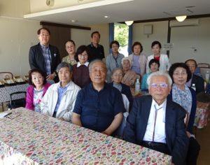 25周年記念吟行(前列左から二人目が前川会長)